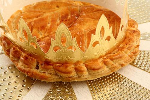 Celebrate epiphany with a galette des rois la renaissance patisserie francaise - Decor galette des rois ...